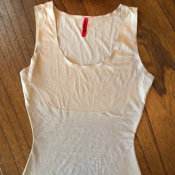 SPANX Other - Spanx slimming Tank S Small Thinstincts base